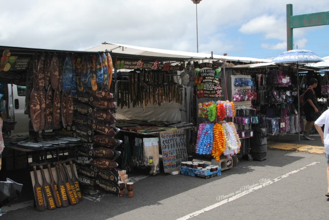 Stalls selling a variety of handcrafted items and brightly coloured leis at the Aloha Stadium in Oahu